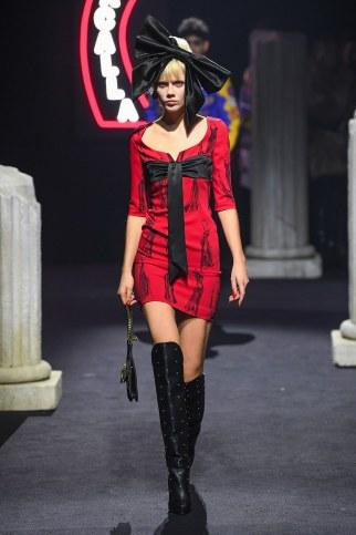 Moschino Menswear Fall Winter 2019 Rome20