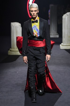 Moschino Menswear Fall Winter 2019 Rome23