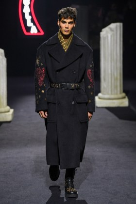 Moschino Menswear Fall Winter 2019 Rome25