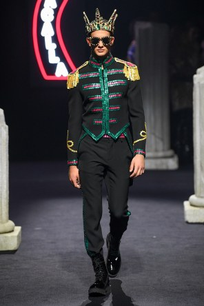 Moschino Menswear Fall Winter 2019 Rome30