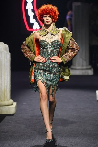 Moschino Menswear Fall Winter 2019 Rome37