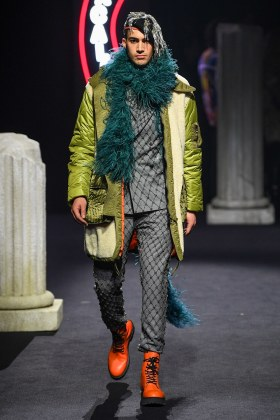 Moschino Menswear Fall Winter 2019 Rome39