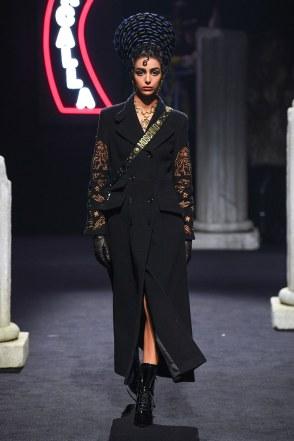 Moschino Menswear Fall Winter 2019 Rome6