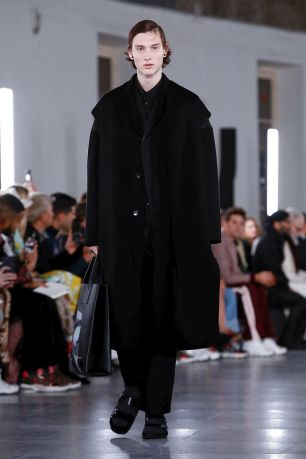 Valentino Menswear Fall Winter 2019 Paris3