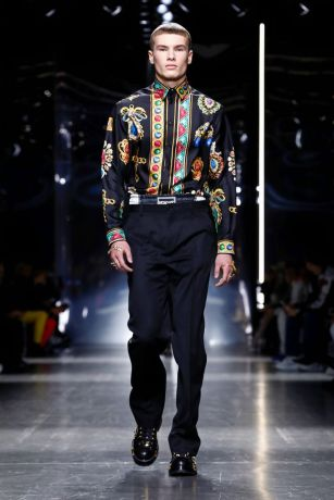 Versace Menswear Fall Winter 2019 Milan14