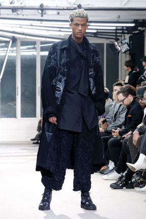 Yohji Yamamoto Menswear Fall Winter 2019 Paris12