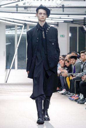 Yohji Yamamoto Menswear Fall Winter 2019 Paris19