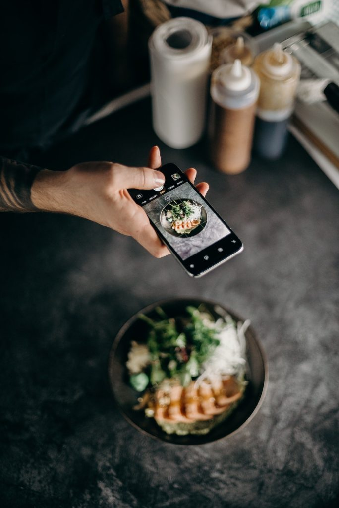 How to Develop Your Instagram Page and Earn Money From it