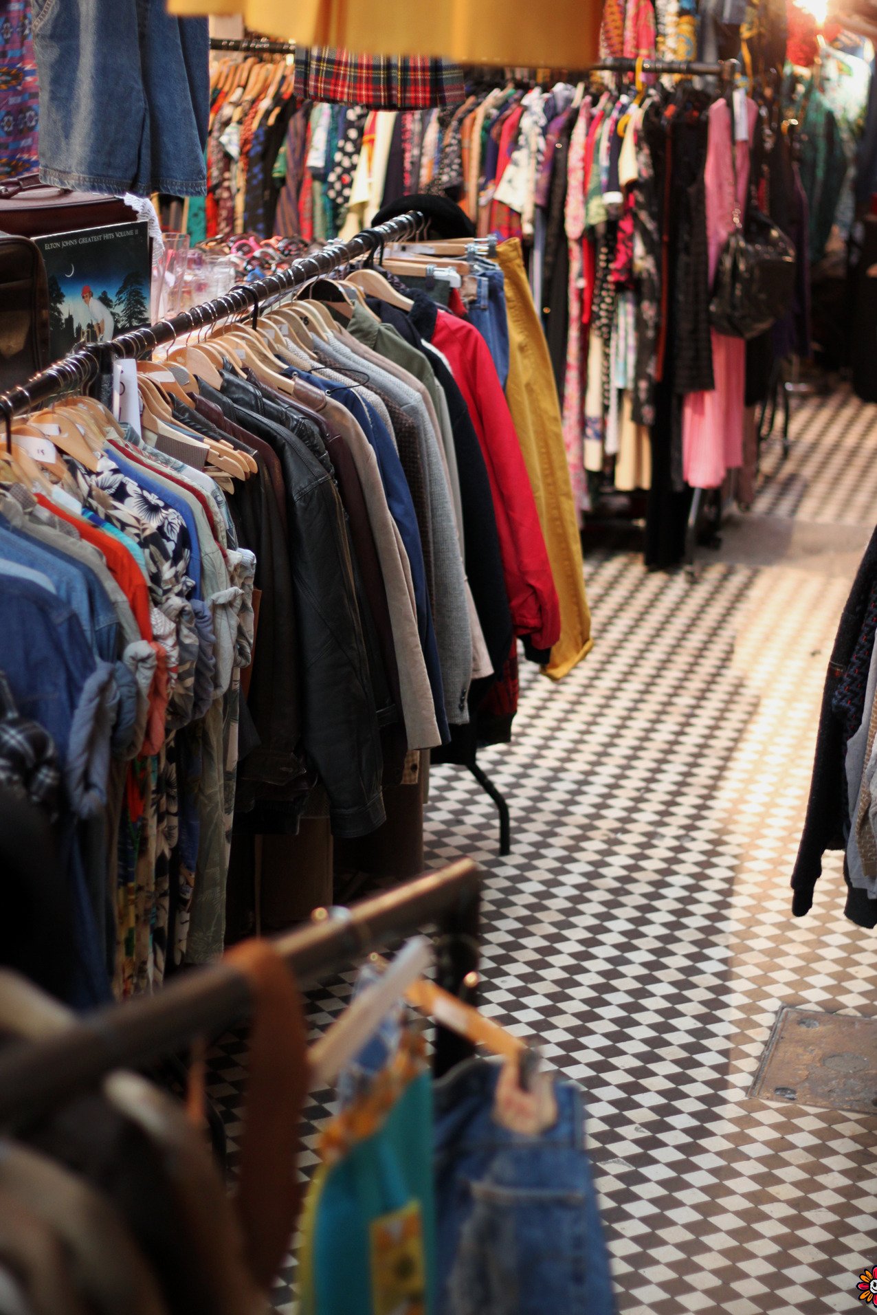 How to Look for Underpriced Goods at Garage Sales and Thrift Stores