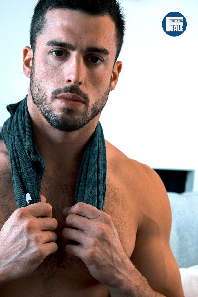 Jeff Hindenach presents Richie Alba for Fashionably Male