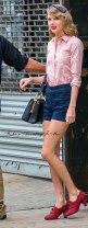 Taylor Swift Stops By A Gym In New York