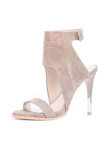cameron-diaz-shoes-03-vogue-4jan14-pr_426x639