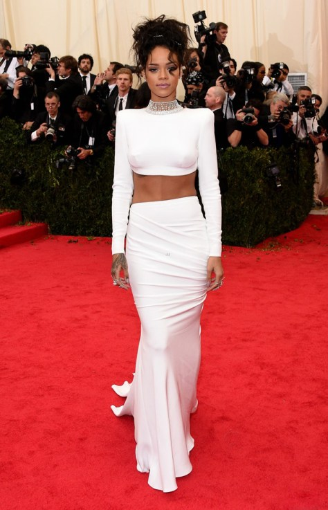 rihanna-sexy-back-midriff-met-ball-2014-03-stella-mccartney-
