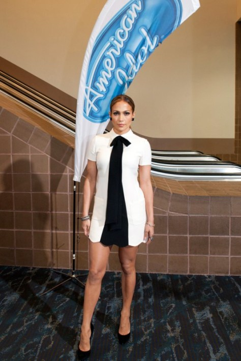 jennifer-lopez-american-idol-new-orleans-valentino-dress