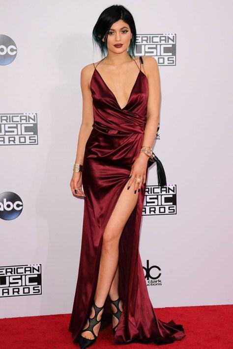 Kylie-Jenner_glamour_24nov14_rex_b_592x888