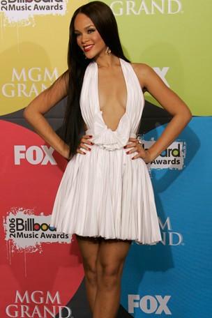 Rihanna8_GL_10jan11_pa_b_304x456