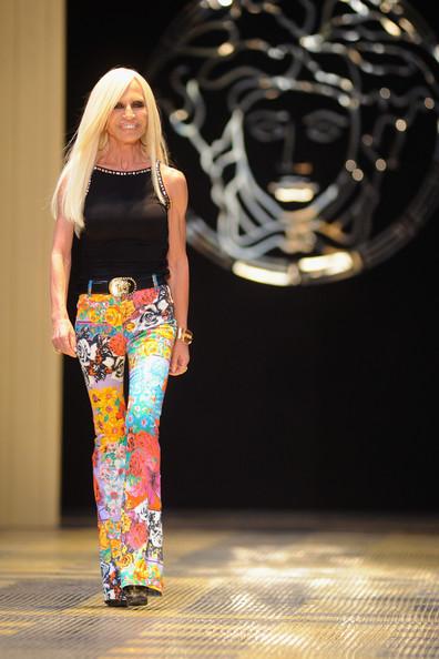Donatella+Versace+Versace+Runway+Milan+Fashion+04-9WJAlfy0l