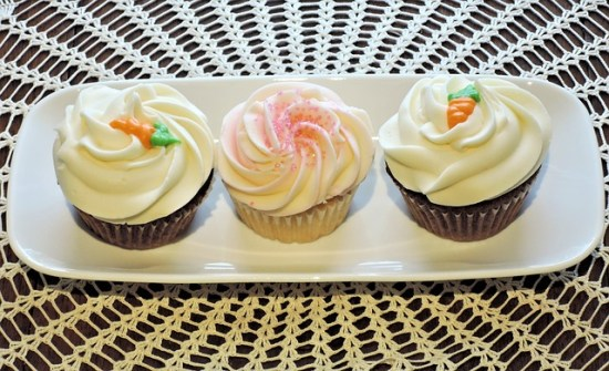 cupcakes-926993_640