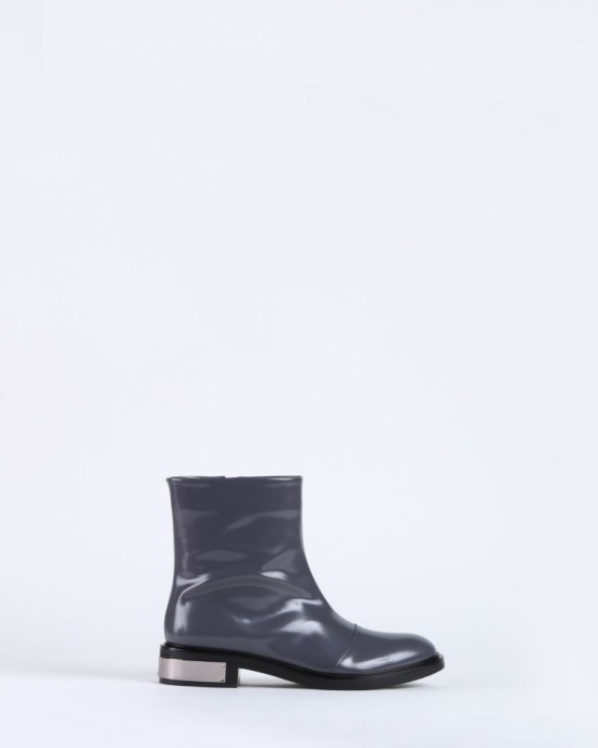 Leather boots image