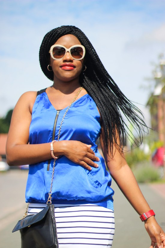 Styling a Blue Outfit Image