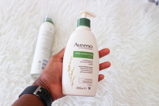 Aveeno Daily Moisturising lotion image