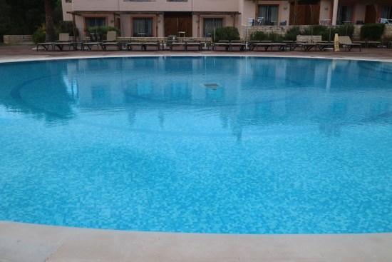 Swimming pool Portugal image