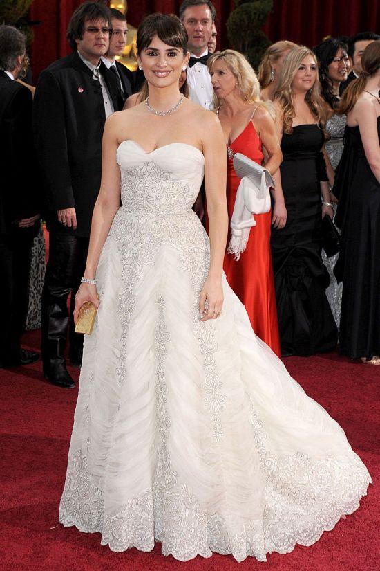 2009 – Penelope Cruz in Balmain picture