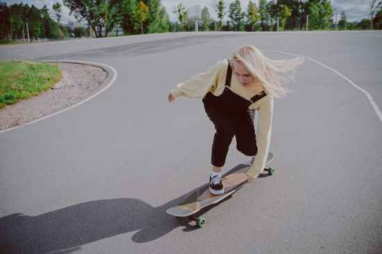Why The Skater Style Is Becoming More Popular Among Women picture