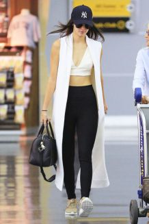 gallery-1440960249-kendall-lax-splash-2