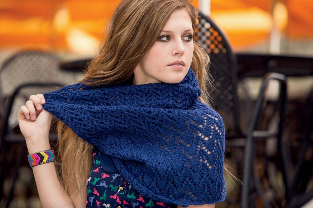 Синий шарф-снуд