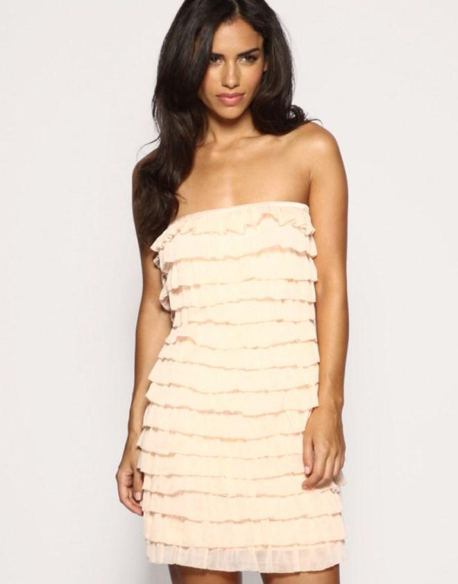 Бежевое платье для женщин за 40