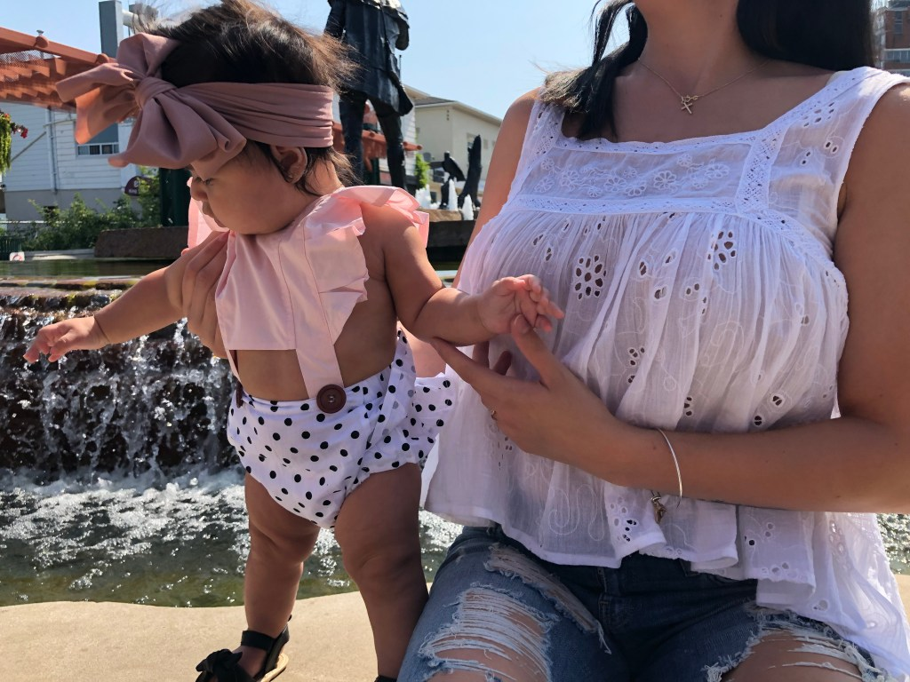 young mom, young mom fashion, teen mom looks, young mom outfits, young mama, young mom fashion, baby girl, pink, baby girl outfits