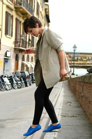 https://i0.wp.com/fashionbombdaily.com/wp-content/uploads/2009/07/Blue-Oxford-Shoes.jpg