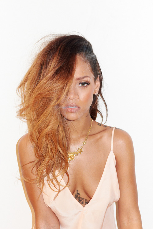 04 Rihanna Behind the Scenes with Terry Richardson for Rolling Stone