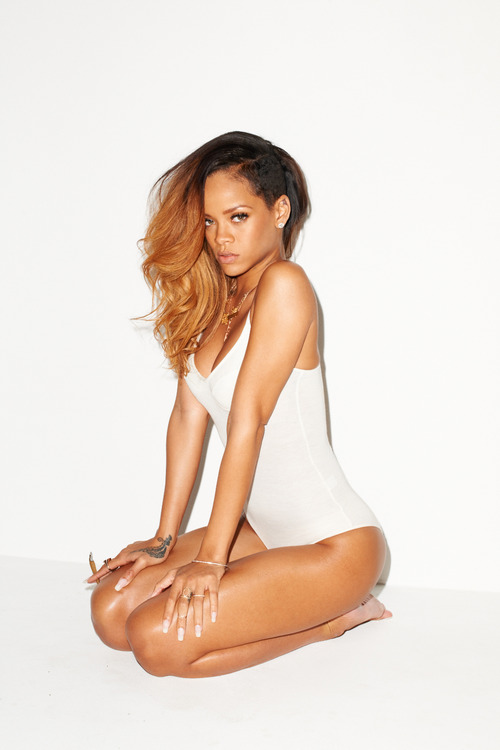 08 Rihanna Behind the Scenes with Terry Richardson for Rolling Stone