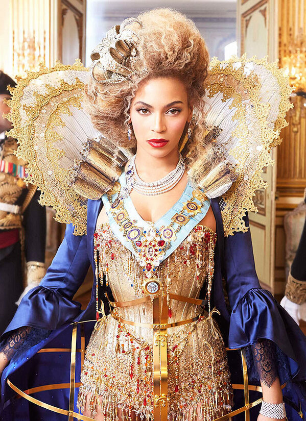 beyonce-announces-the-mrs-carter-show-show-with-new-video-and-pictures