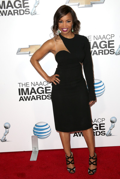 elise-neal-44th-naacp-image-awards-los-angeles-stella-mccartney-single-sleeve-dress