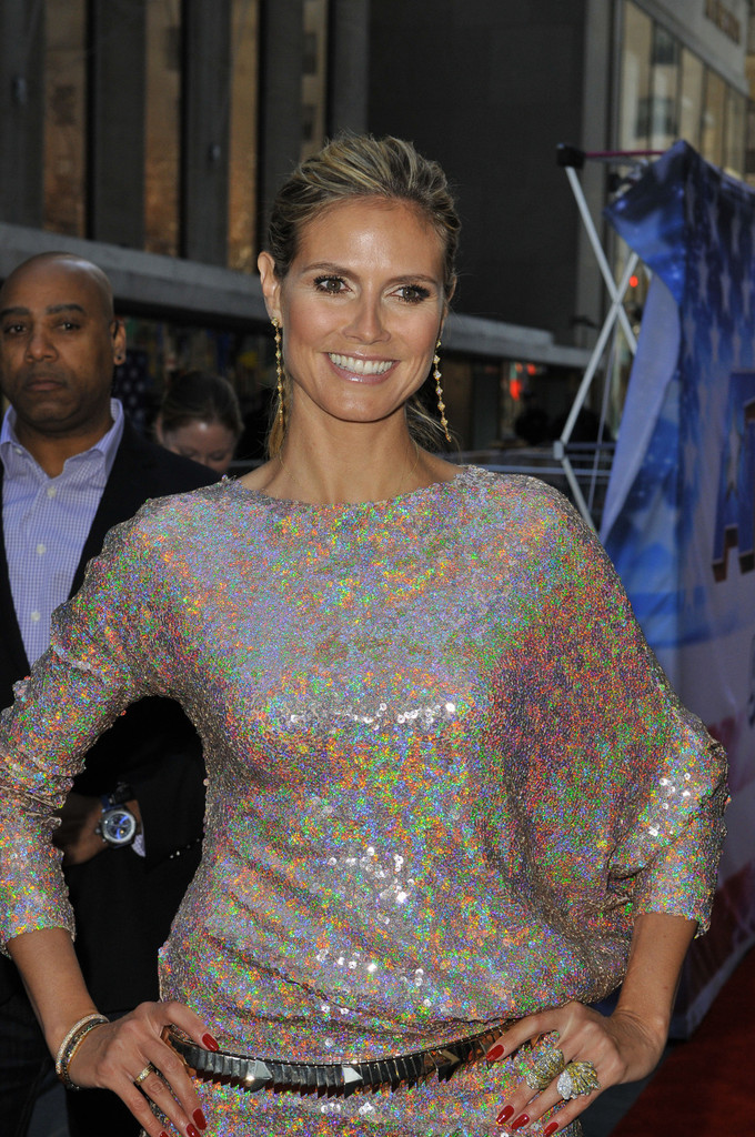 heidi-klum-americas-got-talent-new-york-auditions-talbot-runhof-fall-2012-dress-dolce-gabbana-sandals-givenchy-belt-2