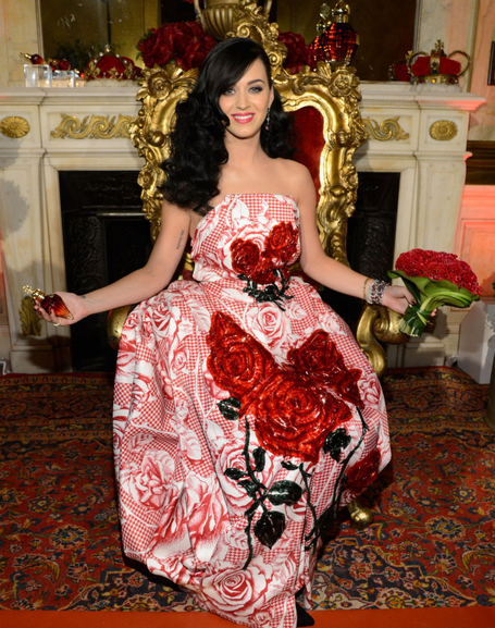 Hot-or-Hmm-Katy-Perrys-Killer-Queen-Fragrance-Launch-Thom-Browne-Fall-2013-Red-and-White-Rose-Print-Checkered-Dress