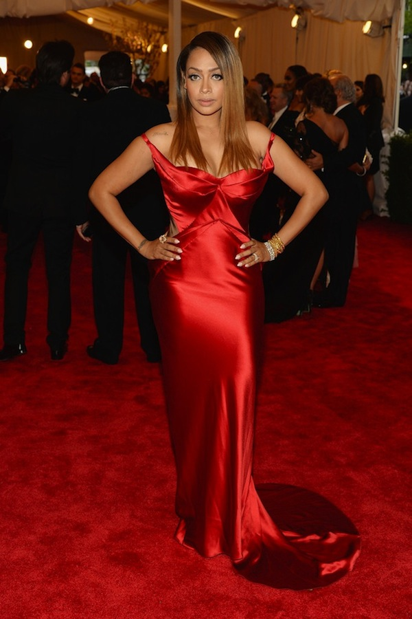 La-La-Lala-Anthony-wears-Zac-Posen-red-dress-gown-MET-Ball-2013-1