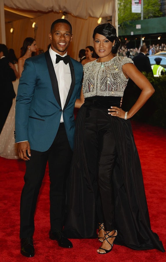 Victor-Cruz-wears-Calvin-Klein-tuxedo-at-MET-Ball-2013-1