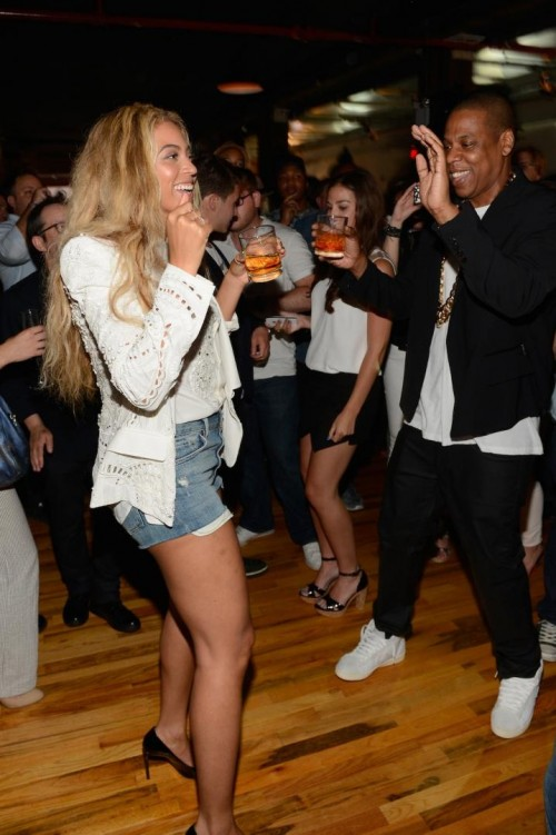 2 Beyonce's Magna Carta Album Release Party Roberto Cavalli Spring 2013 White Embellished Blazer