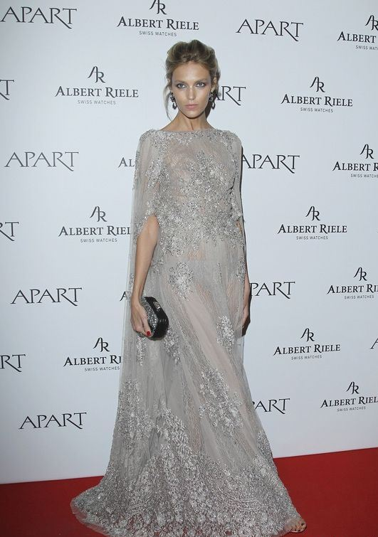 anja-rubik-apart-anniversary-elie-saab-fall-2013-couture-lace-gown-