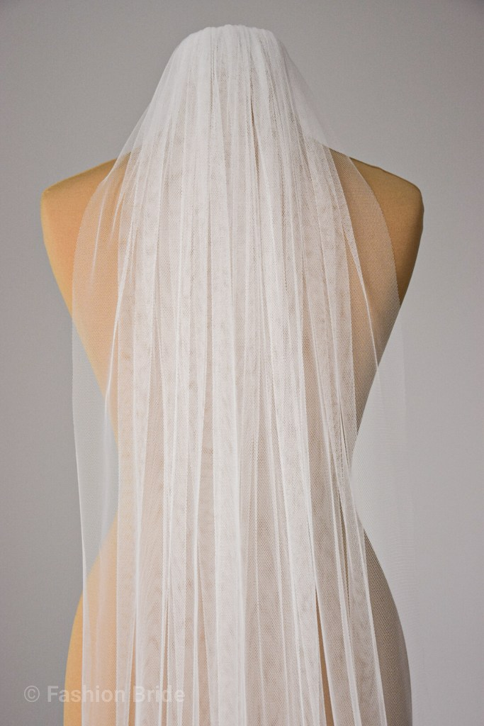 Soft tulle plain veil single layer Chapel length 240cm