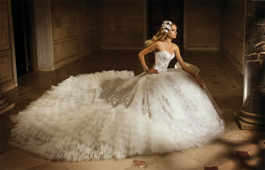 Amalia Carrara For Eve Of Milady 2012 Bridal Collection