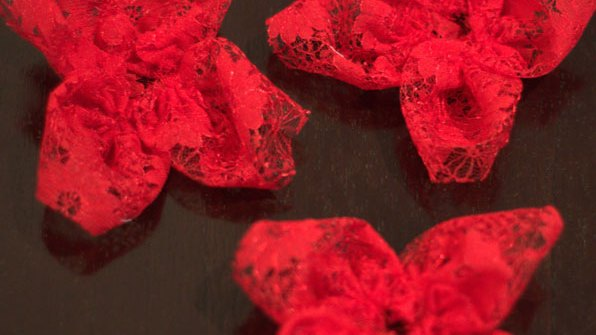 DIY red lace flowers