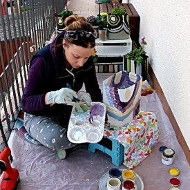 Painting DIY Flower Pots: Mixing Colors