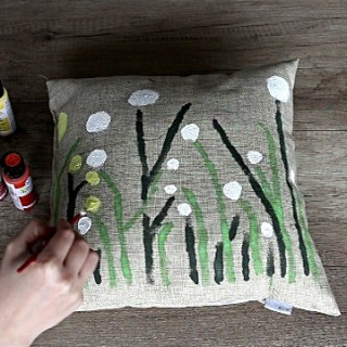 Making decorative pillow covers