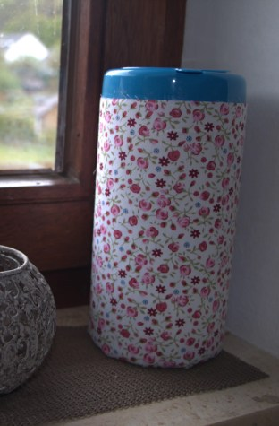 Plastic bag dispenser diy