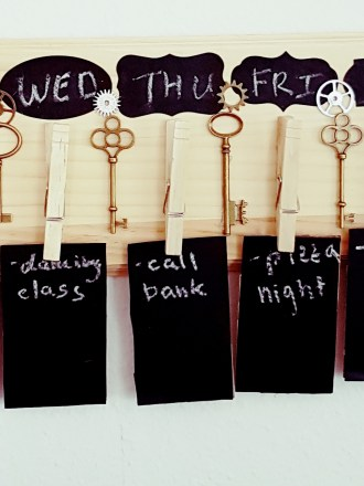 Easy DIY Projects, DIY Weekly Calendar